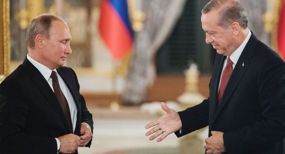 Prezydent Rosji Władimir Putin i prezydent Turcji Recep Tayyip Erdogan w czasie spotkania w Stambule
