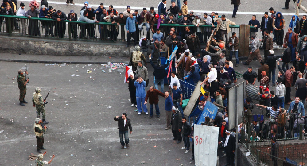 Starcia zwolenników i przeciwników Husni Mubaraka w Kairze