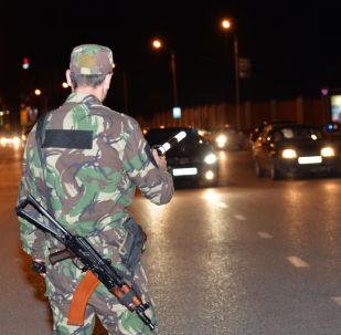 Pracownik MSW Czeczeńskiej Republiki na ulicach Groznego