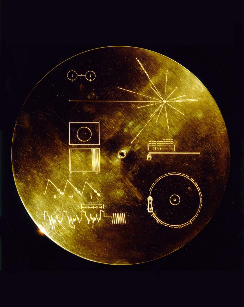 Do pokładu każdego Voyagera była przyczepiona okrągła aluminiowa skrzynka z pozłoconym dyskiem wideo.