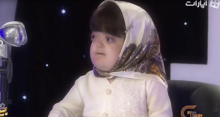 Niewidoma 11-letnia irańska dziewczyna Fatemeh Gharrar