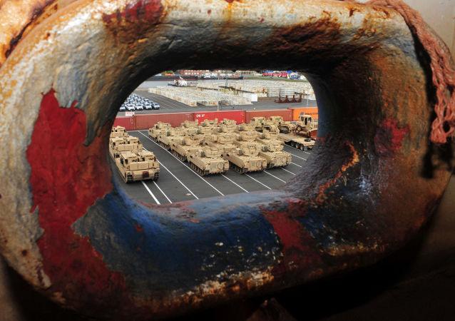 Sprzęt wojskowy USA przeznaczony do wysłania do Europy Wschodniej