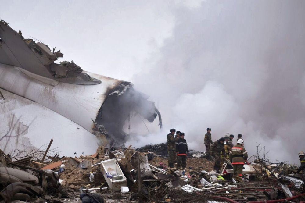 W wyniku katastrofy tureckiego Boeinga 747 w okolicy Biszkeku zginęło ponad 30 osób.