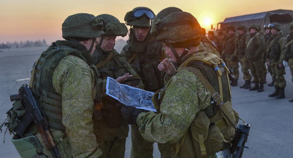 Inżynierowie Międzynarodowego Centrum Przeciwminowego Sił Zbrojnych Rosji w wyzwolonym Aleppo