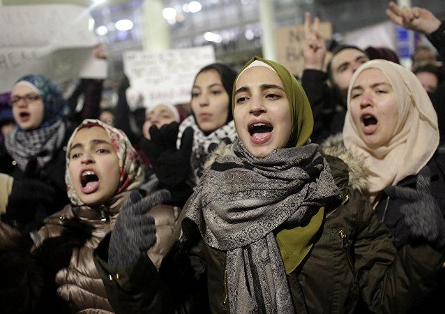 Protesty przeciwko dekretowi Donalda Trumpa o migrantach, Chicago