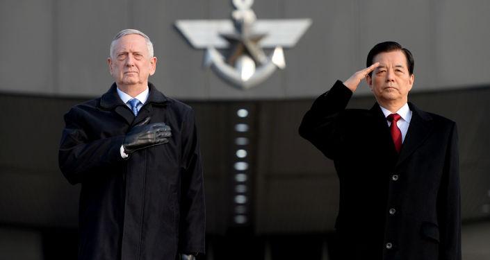 Amerykański sekretarz obrony James Mattis  z wizytą w Korei Południowej