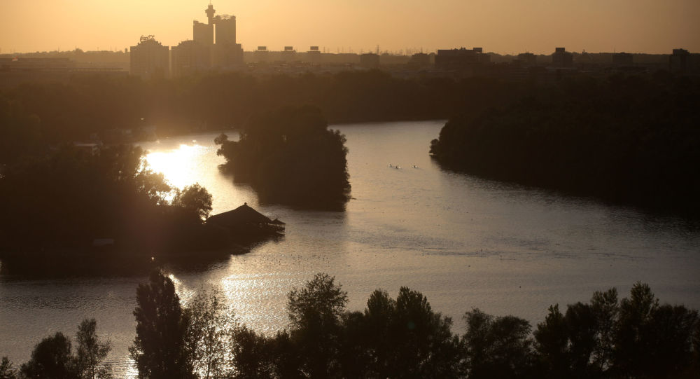 Rzeka Sawa wpada do Dunaju w Belgradzie