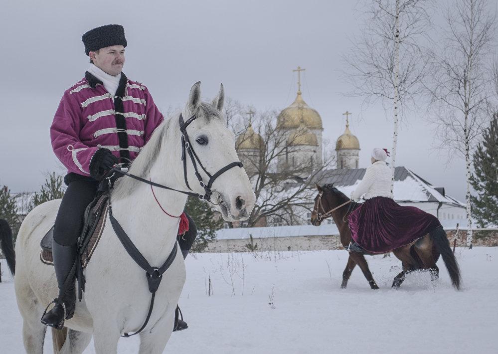 """Niedaleko Łużeckiego klasztoru mieści się stadnina koni """"Awanpost""""."""