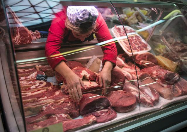 Lada z mięsem. Rynek Daniłowski w Moskwie