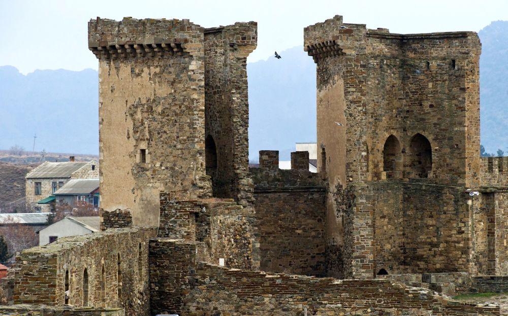 Niektóre kamienie w murze twierdzy w pewnych miejscach się rozwarstwiły – opowiada sekretarz naukowy muzeum.
