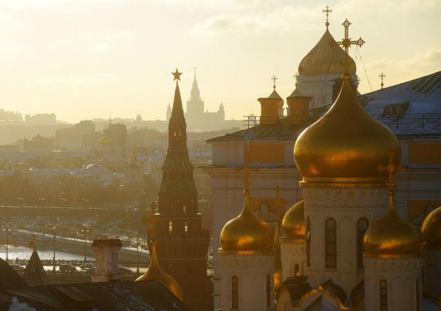 Rzecznik Kremla Dmitrij Pieskow zaprzeczył, by Moskwa dostarczała czołgi do proklamowanych w trybie jednostronnym republik w Donbasie