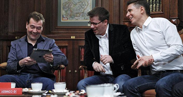 Dmitrij Miedwiediew spotkał się z uczestnikami projektu Comedy club