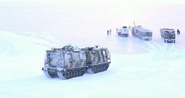 Testy rosyjskiego sprzętu wojskowego w Arktyce