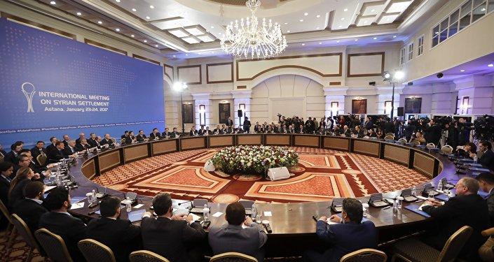 Delegacje Iranu, Turcji i Rosji w Astanie