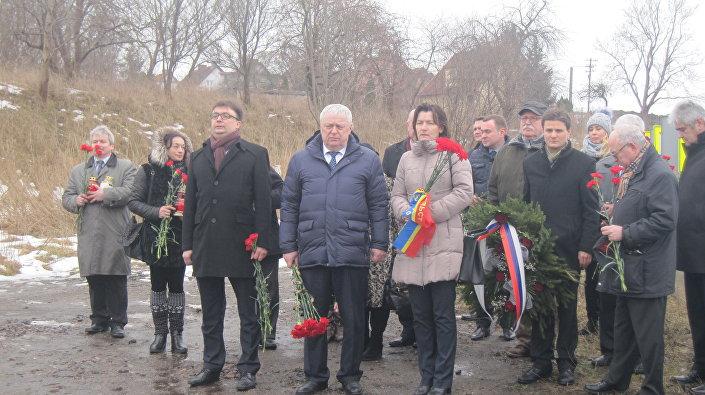 Uroczystość upamietniająca śmierć generała Iwana Czerniachowskiego w Pieniężnie