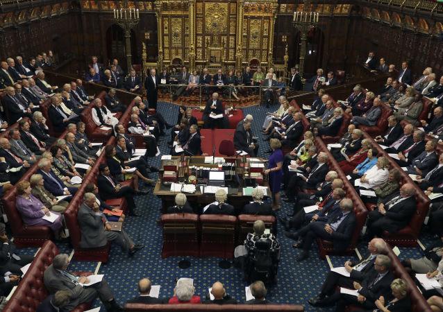 Izba Lordów w brytyjskim parlamencie
