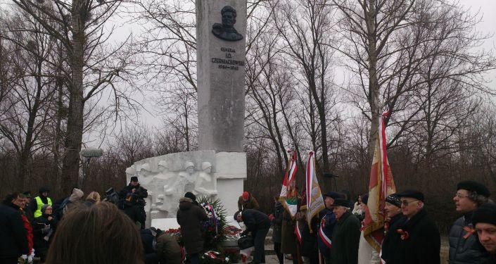 Ceremonia upamiętniająca generała Czerniachowskiego