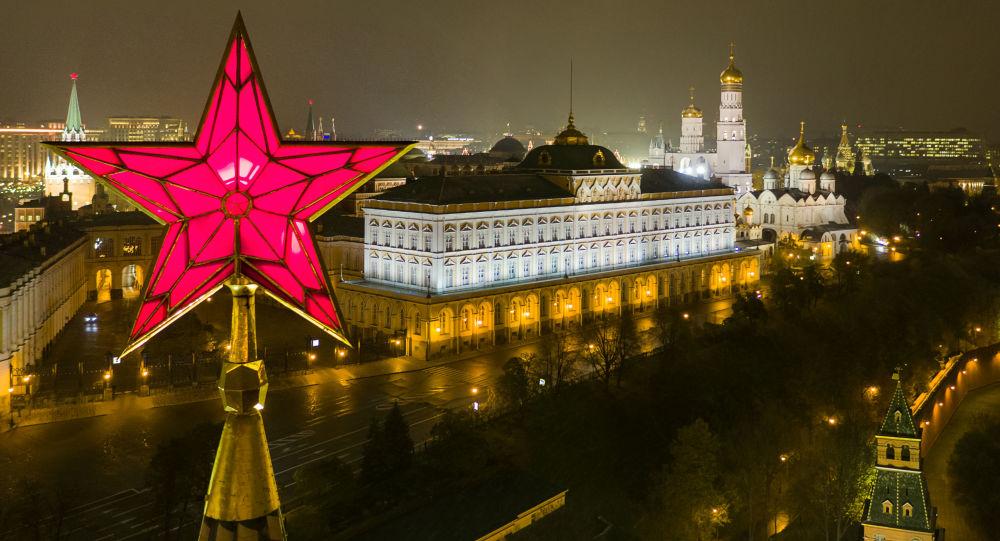 Gwiazda na Baszcie Wodociągu Moskiewskiego Kremla