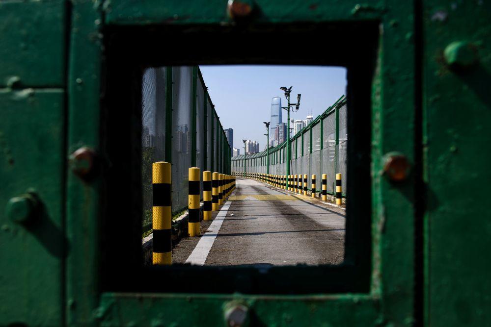 Granica w Shenzhen między Chinami i Hongkongiem