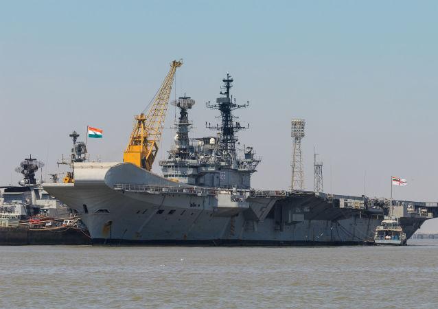 Lotniskowiec Viraat