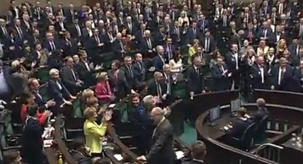 AWANTURA  ws Donalda Tuska w Sejmie