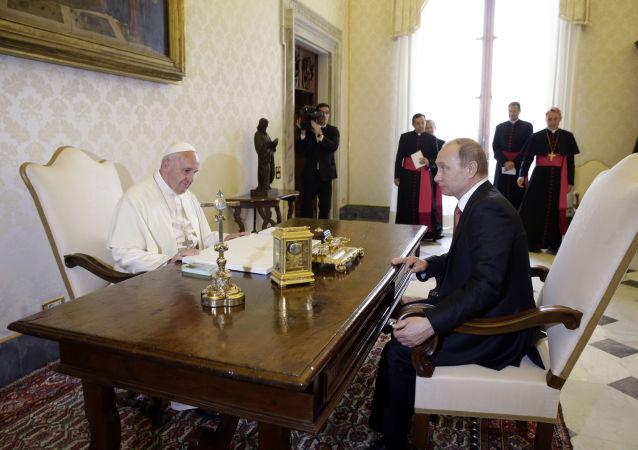Papież Franciszek i prezydent Rosji Władimir Putin