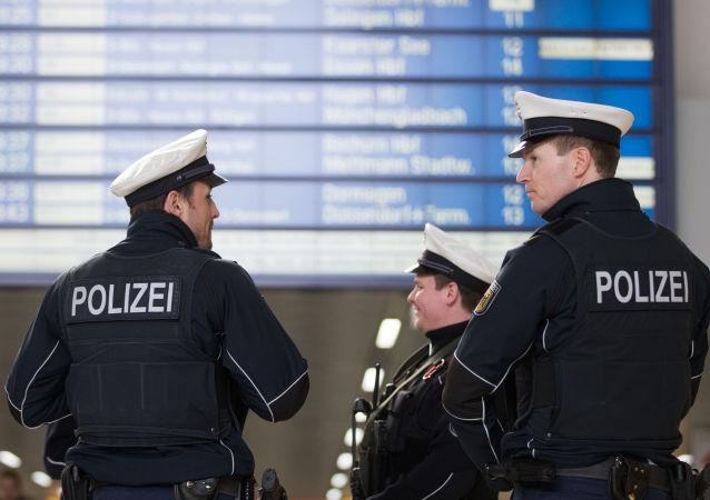 Policja na dworcu w Düsseldorfie
