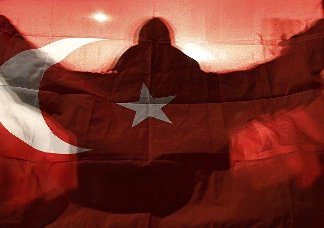 Premier Holandii Mark Rutte oświadczył w niedzielę, że zrobi wszystko w celu deeskalacji napięcia dyplomatycznego z Turcją