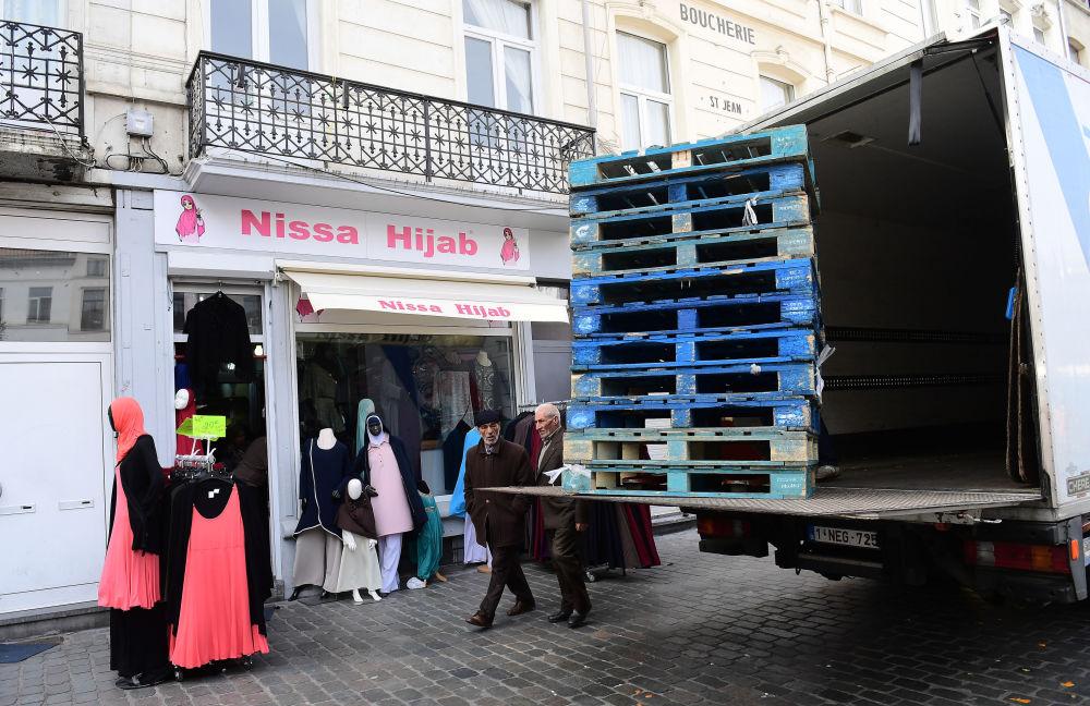 Sklep hidżabów w Brukseli.