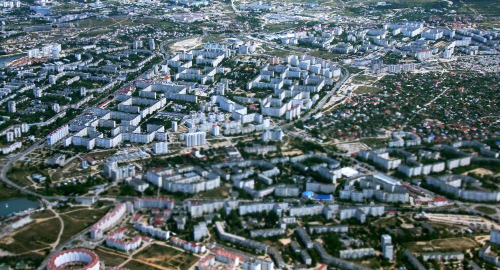 Wygląd na Sewastopol z okna samolotu