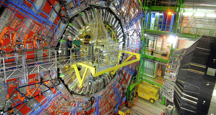 Fizycy w CERN przy pracy