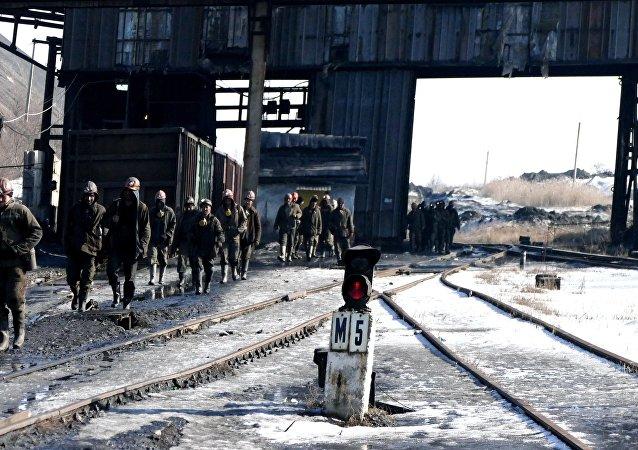 Górnicy w donieckiej kopalni węgla