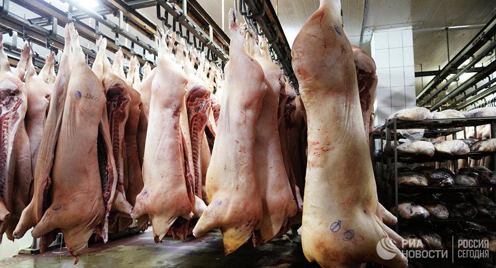 Rosną dostawy mięsa do Rosji, przy czym na korzyść wieprzowiny