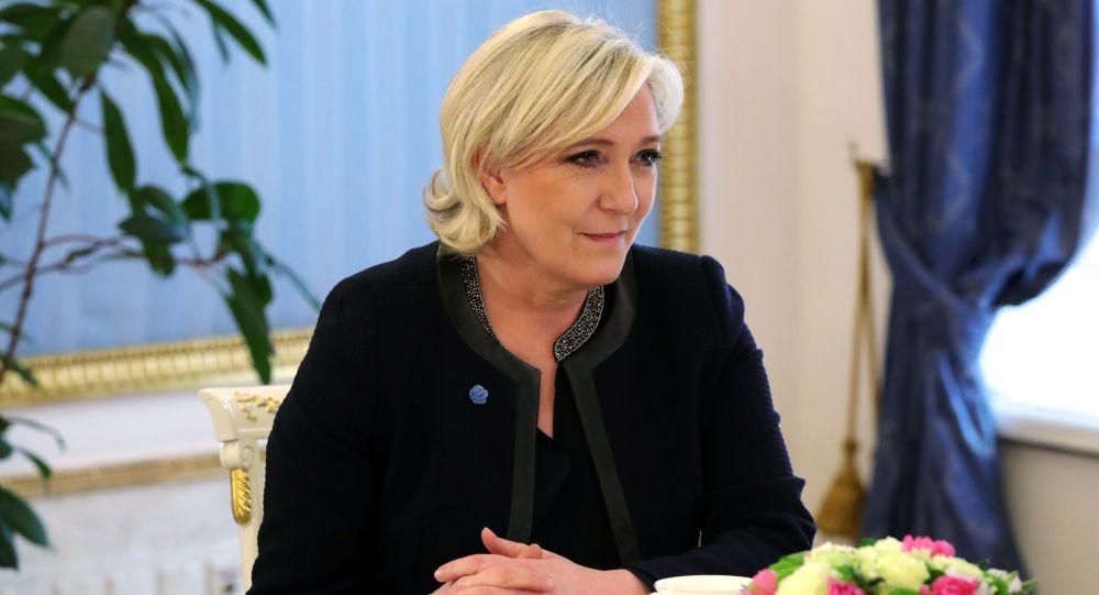 Liderka Frontu Narodowego i kandydatka na prezydenta Francji Marine Le Pen podczas spotkania z prezydentem Rosji Władimirem Putinem.