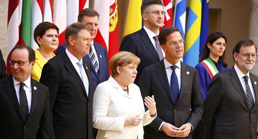 Przywódcy 27 państw unijnych złożyli podpisy pod Deklaracją Rzymską