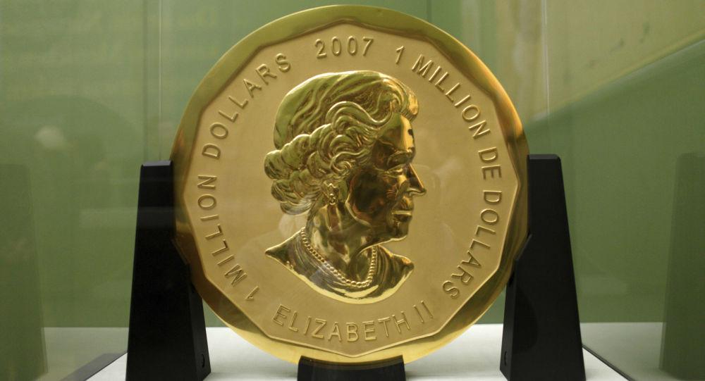 Złota moneta Wielki liść klonowy w muzeum Bode w Berlinie