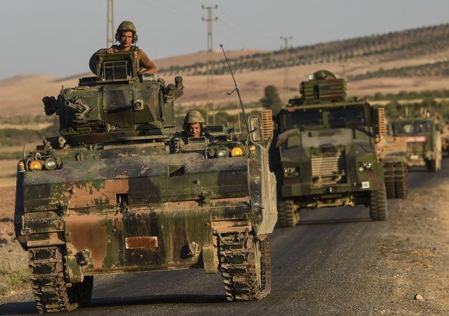 Tureccy wojskowi na granicy turecko-syryjskiej
