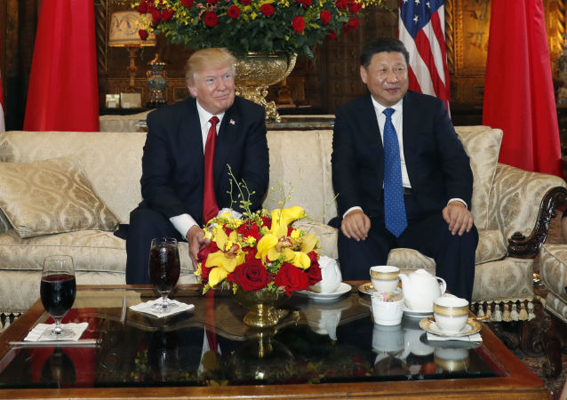 Prezydent USA Donald Trump i przewodniczący ChRL Xi Jinping w towarzystwie żon na spotkania w Mar-a-Lago