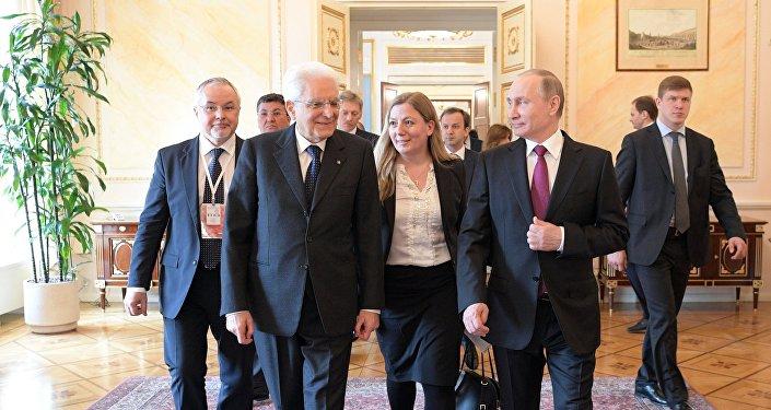 Vladimir Putin meets with Italian President Sergio Mattarella