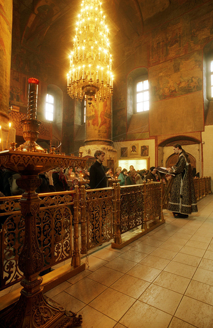 Nabożeństwo w Monasterze Spotkania Włodzimierskiej Ikony Matki Bożej w Moskwie.