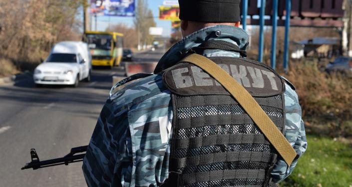 Funkcjonariusz ukraińskiej jednostki specjalnej Berkut
