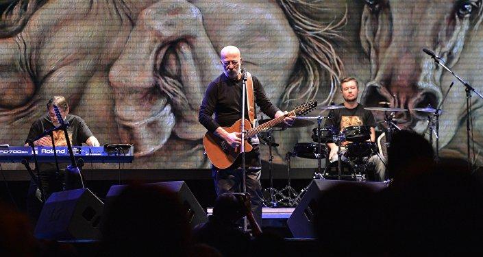 Aleksander Rozenbaum podczas koncertu w Moskwie