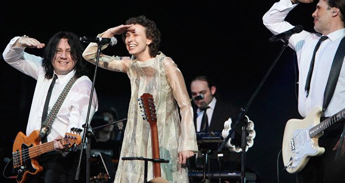 Julia Cziczerina podczas koncertu w Moskwie