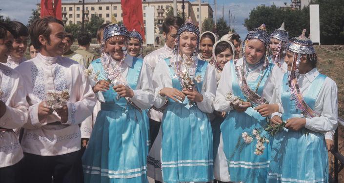 """Czuwaski zespół ludowy """"Znamia"""