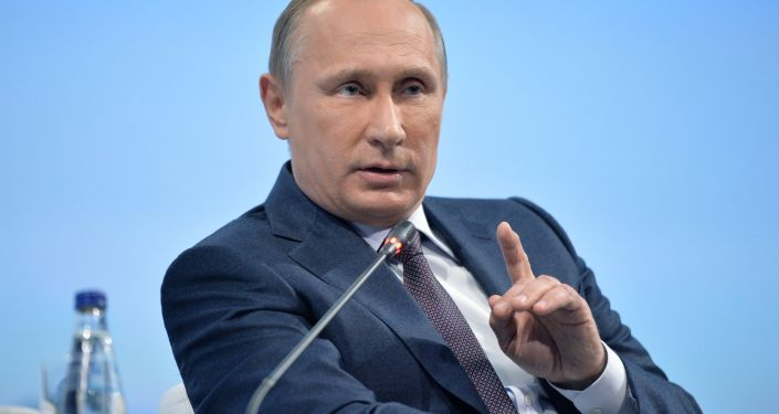 Prezydent Rosji Władimir Putin na sesji plenarnej XIX Petersburskiego Forum Ekonomicznego