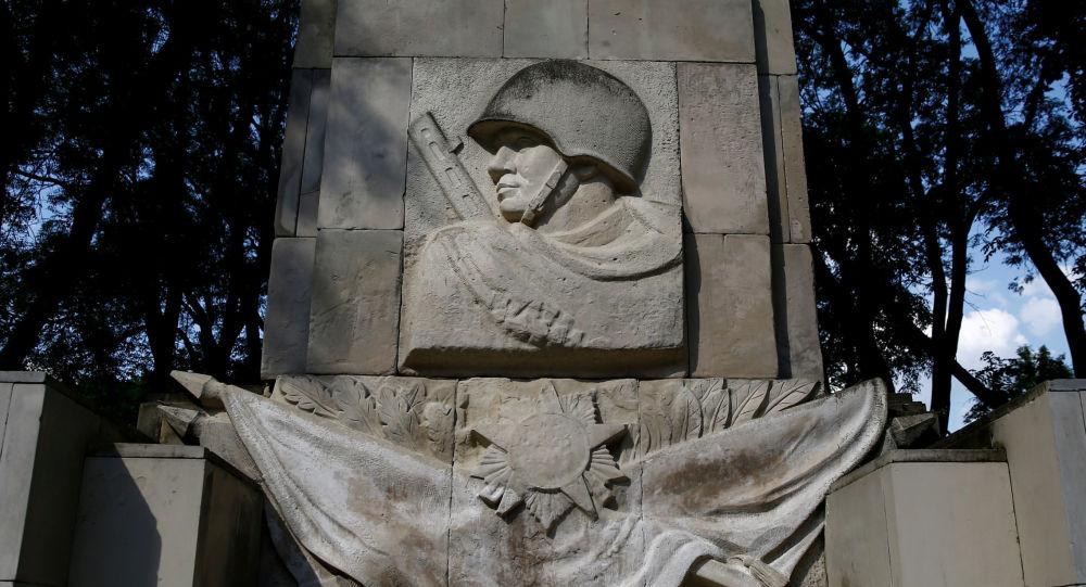 Pomnik żołnierzy radzieckich w Warszawie