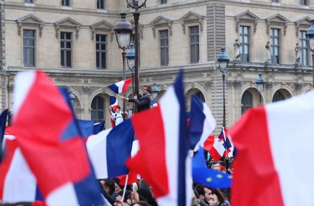 Ogłoszenie wyników II tury wyborów prezydenckich we Francji.
