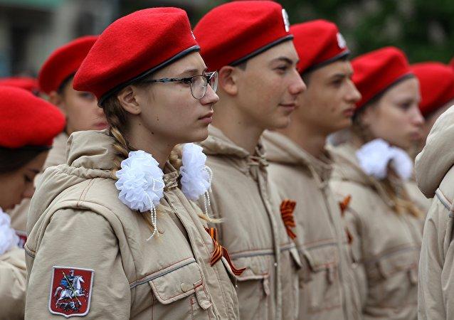 Сzłonkowie wojskowo-patriotycznego ruchu społecznego Junarmia