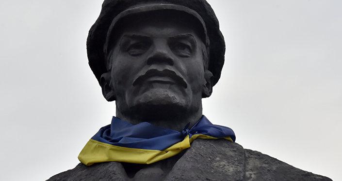 Ostatni z kijowskich pomników Lenina, na który do tej pory nikt nie zwracał uwagi, został zdemontowany