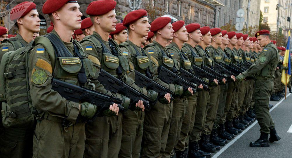 Żołnierze na próbie parady wojskowej do Dnia Niepodległości Ukrainy w Kijowie